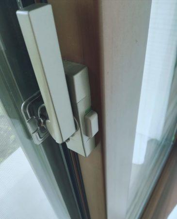 窓は二重鍵
